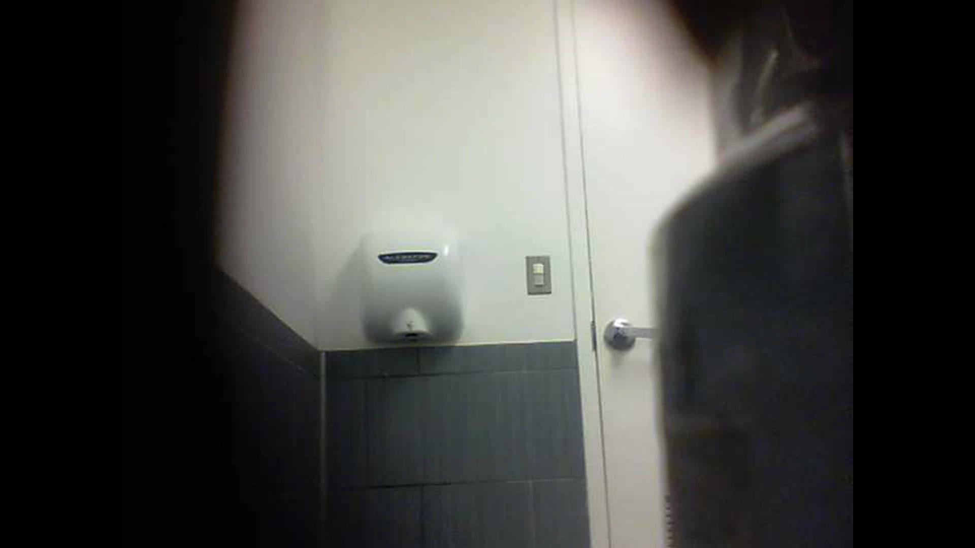 Сделали из раба туалет 14 фотография